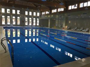 四季恒温游泳池